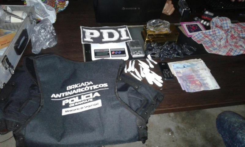 Armstrong una mujer detenida y secuestro de estupefacientes for Juzgado federal rosario